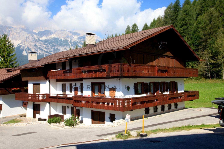 Trivani in vendita a Cortina d\'Ampezzo in zona Alverà. Cerca con ...