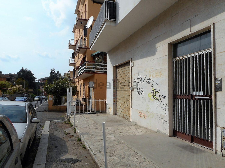 Locali commerciali in affitto a roma in zona torre maura for Locali commerciali a roma in affitto