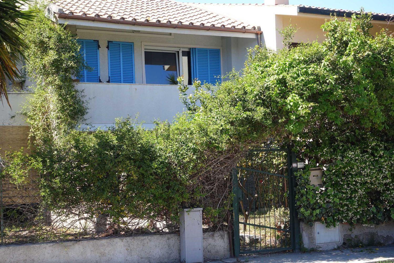 Appartamenti in affitto a cagliari in zona poetto marina for Appartamenti arredati in affitto cagliari