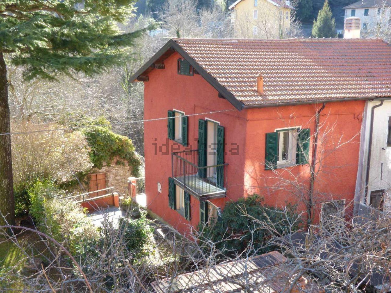 Case indipendenti in affitto a torriglia in zona marzano for Case in affitto con cantina