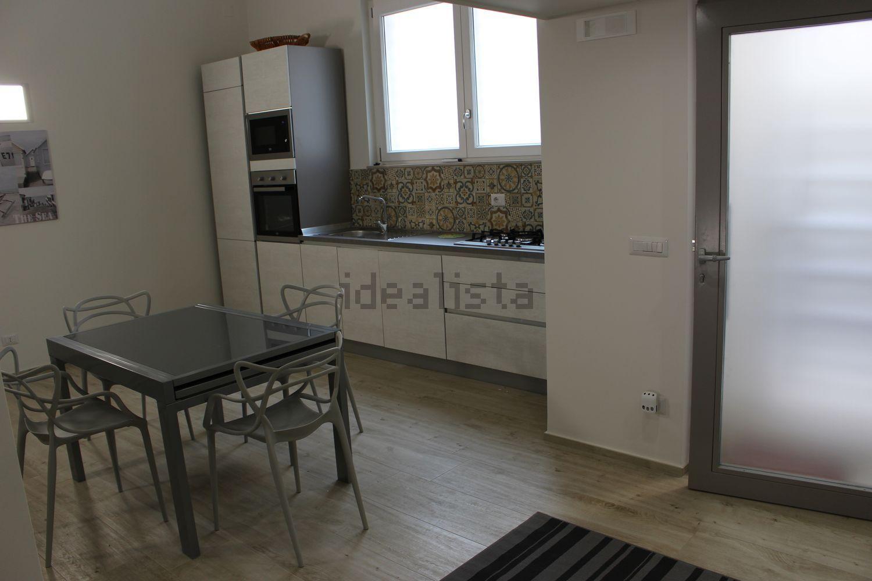 Appartamenti in affitto a andria in zona via castel del for Affitto trani arredato