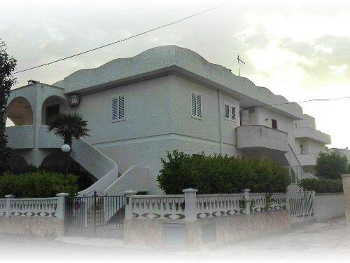 Casa / Casa indipendente In Vendita