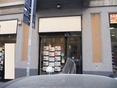 Edificio commerciale In Vendita