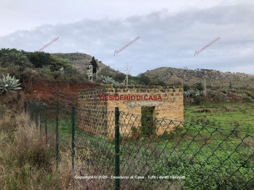 Terreno / Non edificabile In Vendita