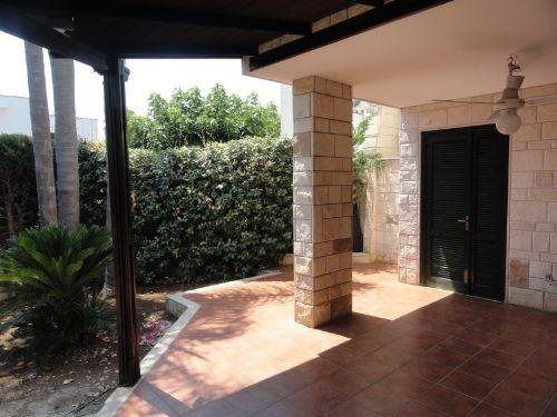 Casa / Villetta a schiera In Affitto