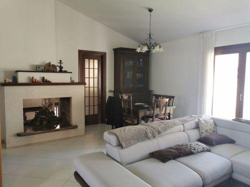 Casa/Villa In Vendita