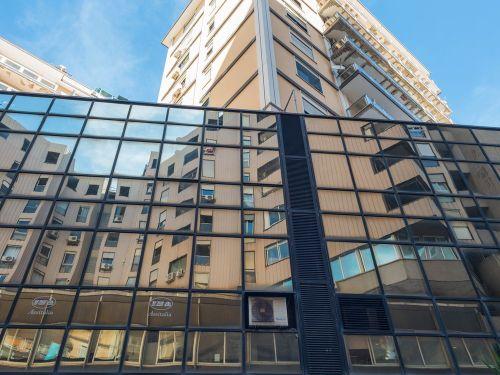Edificio multiuso In Vendita