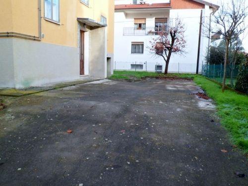 Casa / Villetta bifamiliare In Vendita