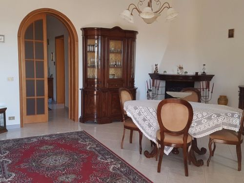 Casa / Villa In Affitto