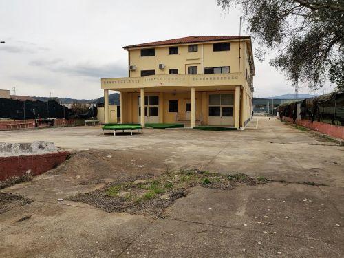 Edificio multiuso In Affitto