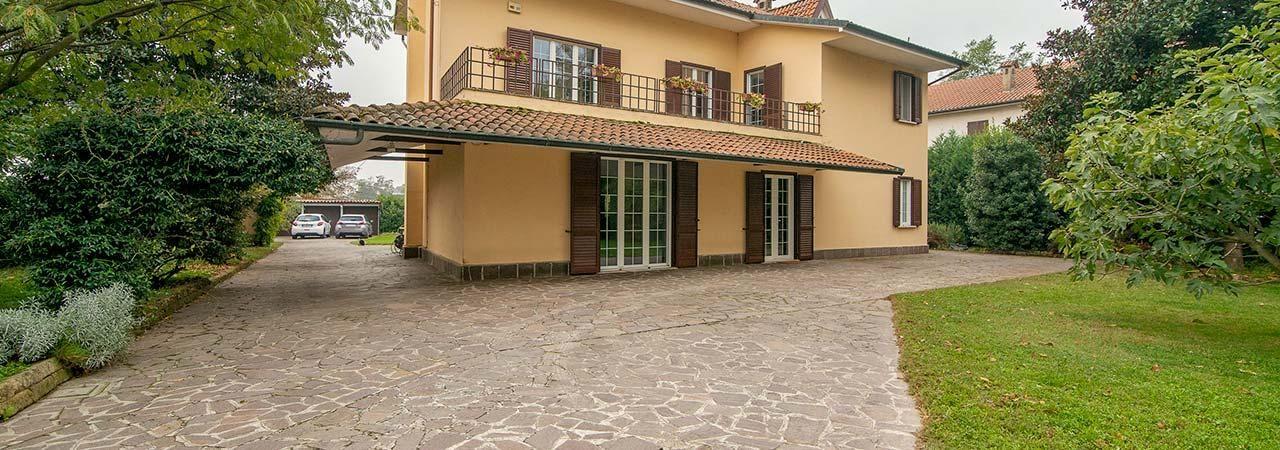 Villa in strada Provinciale ex Strada Statale 494 Vigevanese, 540