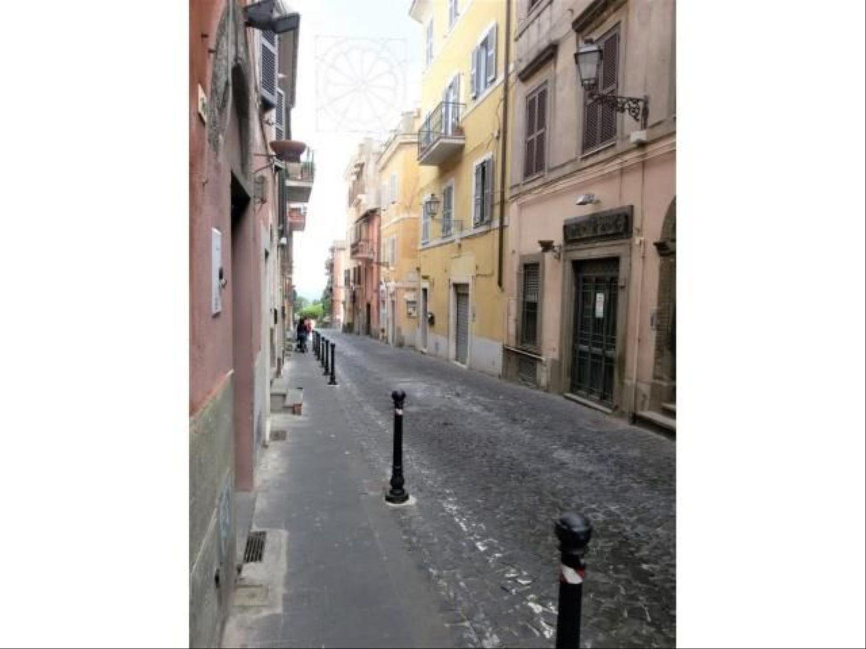 Immobile Commerciale in affitto a Marino, 9999 locali, prezzo € 400 | CambioCasa.it