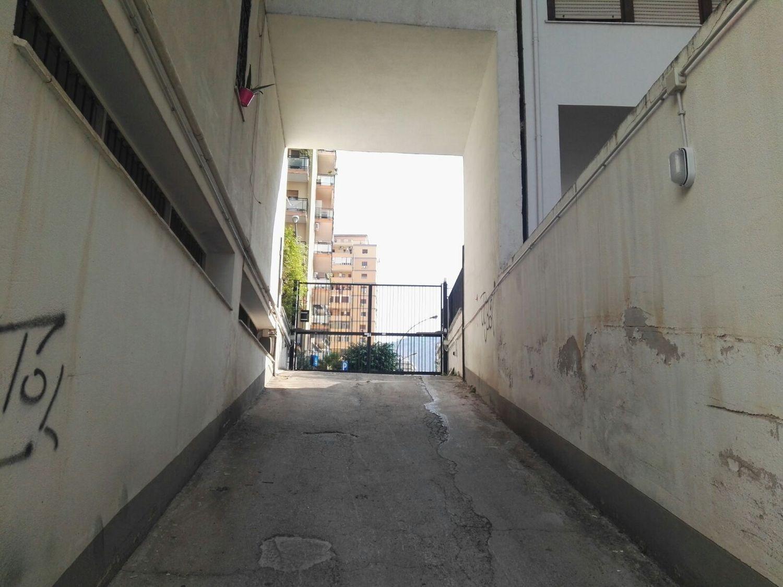 Box / Garage in affitto a Palermo, 9999 locali, prezzo € 200 | CambioCasa.it