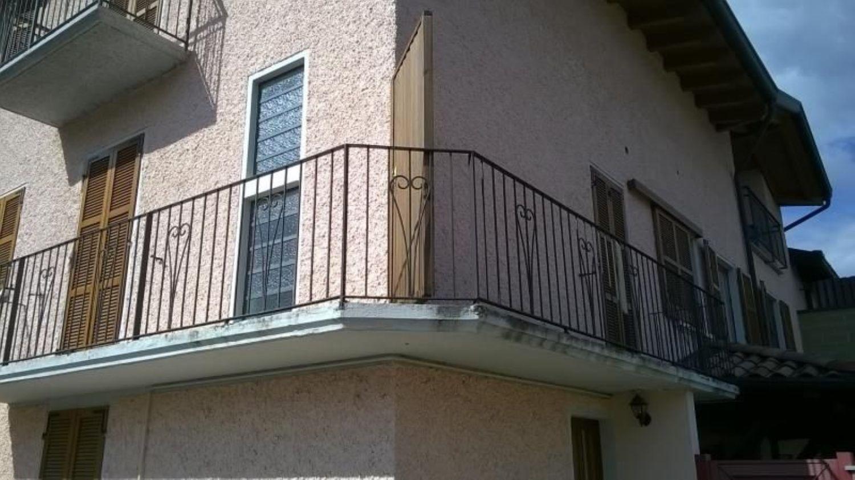 Appartamento in vendita a Cassano Valcuvia, 3 locali, prezzo € 105.000 | Cambio Casa.it
