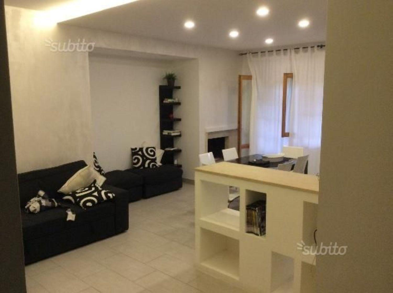 Appartamento in vendita a Velletri, 5 locali, prezzo € 230.000   CambioCasa.it