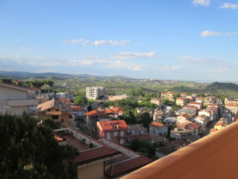 Appartamento in vendita a Picciano, 4 locali, prezzo € 150.000 | CambioCasa.it