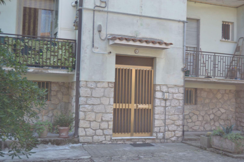 Appartamento in vendita a Pietradefusi, 4 locali, prezzo € 40.000 | CambioCasa.it