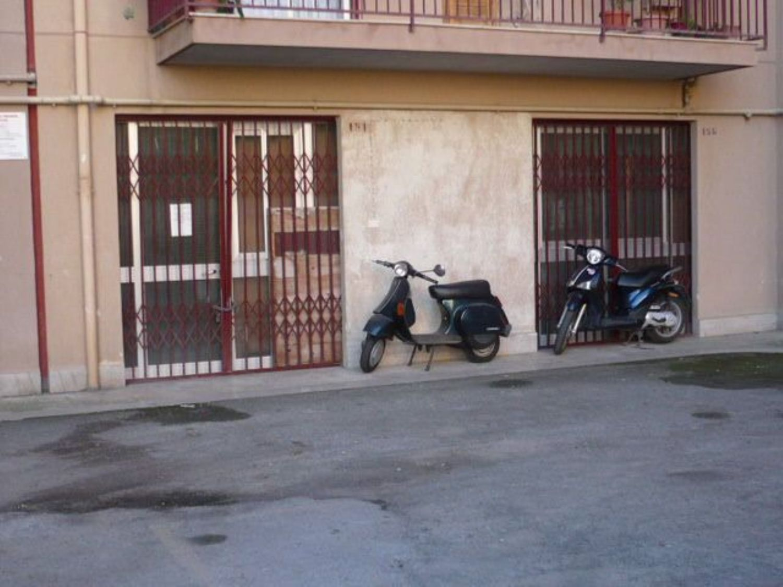 Immobile Commerciale in affitto a Termini Imerese, 9999 locali, prezzo € 500 | CambioCasa.it
