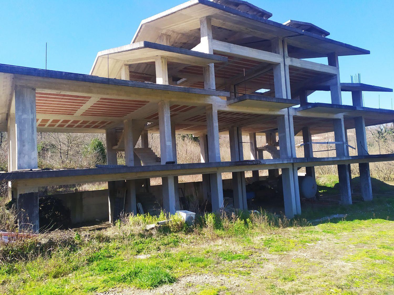 Villa Bifamiliare in vendita a San Michele di Serino, 8 locali, prezzo € 189.000 | CambioCasa.it