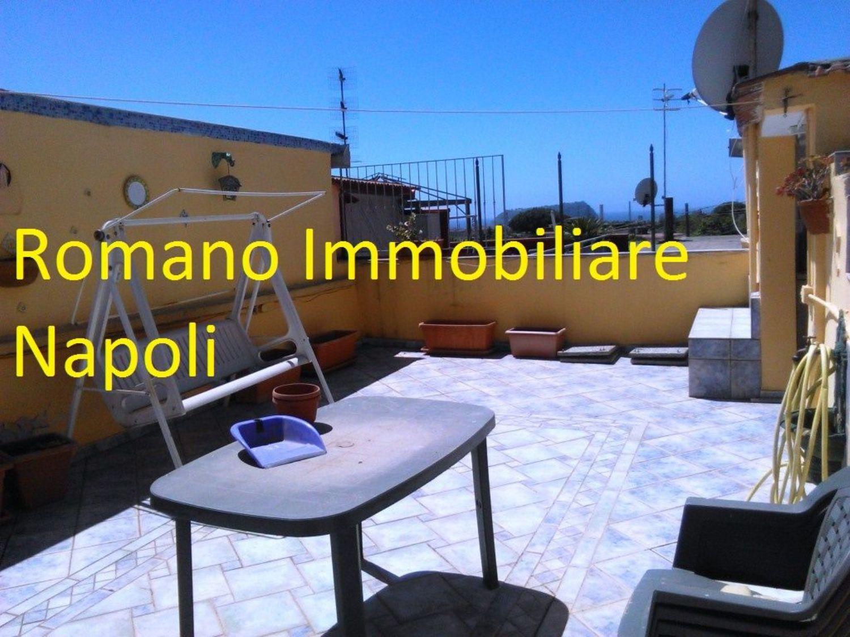 Soluzione Indipendente in affitto a Napoli, 3 locali, prezzo € 650   CambioCasa.it