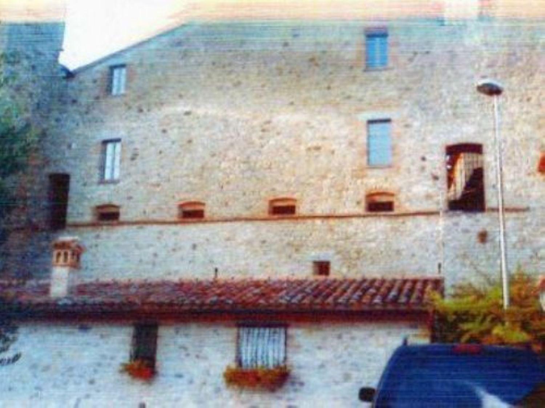 Soluzione Indipendente in vendita a Todi, 12 locali, prezzo € 155.000 | CambioCasa.it