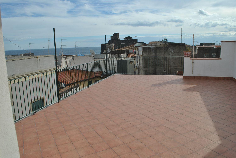 Appartamento in affitto a Aci Castello, 4 locali, prezzo € 500 | Cambio Casa.it