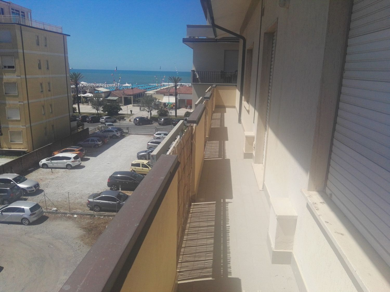 Attico / Mansarda in affitto a Camaiore, 4 locali, prezzo € 1.100 | CambioCasa.it