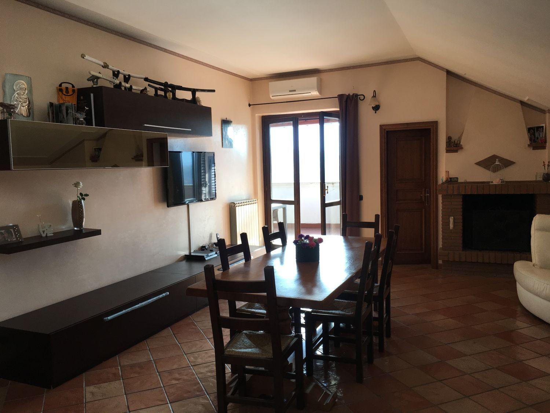 Attico / Mansarda in vendita a Subiaco, 4 locali, prezzo € 240.000 | Cambio Casa.it
