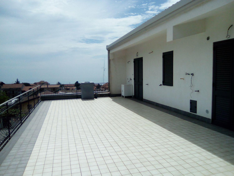 Appartamento in affitto a Zafferana Etnea, 3 locali, prezzo € 450 | Cambio Casa.it
