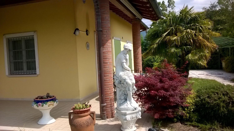 Soluzione Indipendente in vendita a Pietrasanta, 7 locali, prezzo € 530.000   Cambio Casa.it
