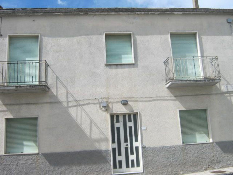 Appartamento in vendita a Molinara, 12 locali, prezzo € 200.000 | Cambio Casa.it