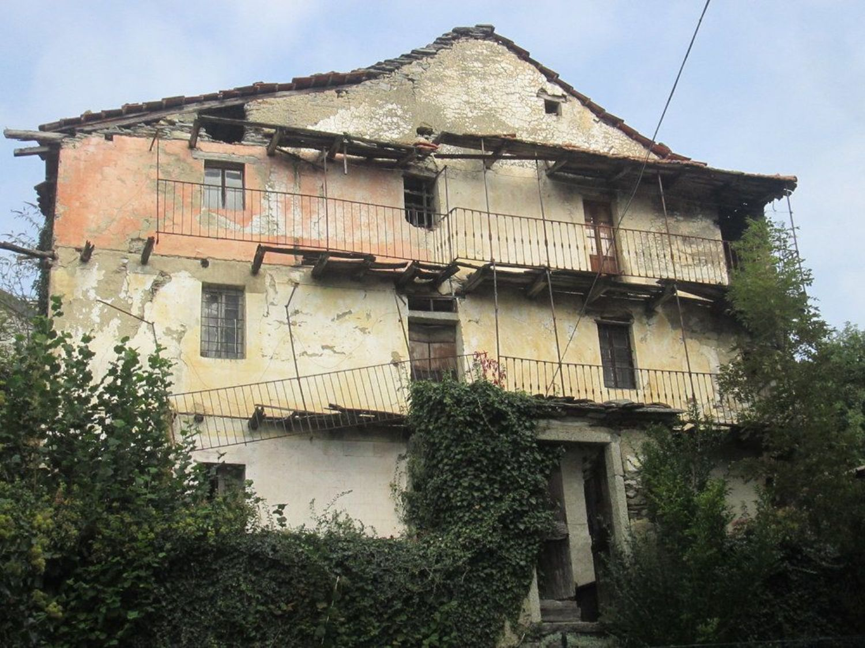Appartamento in vendita a Trarego Viggiona, 12 locali, prezzo € 60.000 | CambioCasa.it