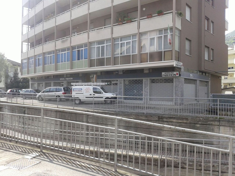 Immobile Commerciale in affitto a Sondrio, 9999 locali, prezzo € 2.250 | PortaleAgenzieImmobiliari.it