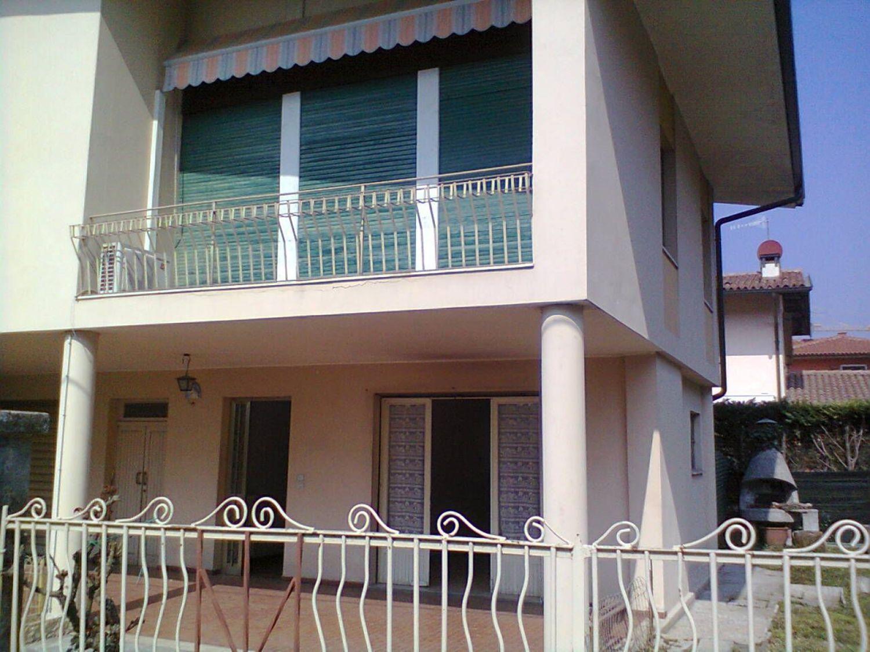 Soluzione Indipendente in vendita a Bardolino, 6 locali, prezzo € 470.000 | Cambio Casa.it