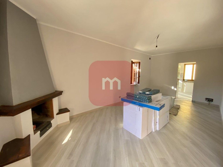 Appartamento in vendita a Cave, 2 locali, prezzo € 149.000   CambioCasa.it
