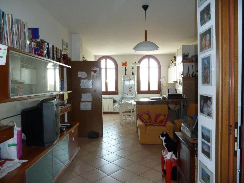 Appartamento in vendita a Sant'Agata Bolognese, 3 locali, prezzo € 80.000 | Cambio Casa.it