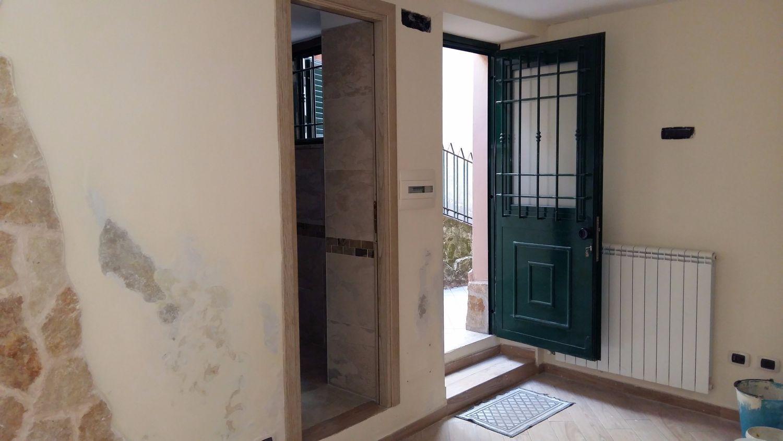 Appartamento in vendita a Rocca di Papa, 3 locali, prezzo € 59.000 | CambioCasa.it