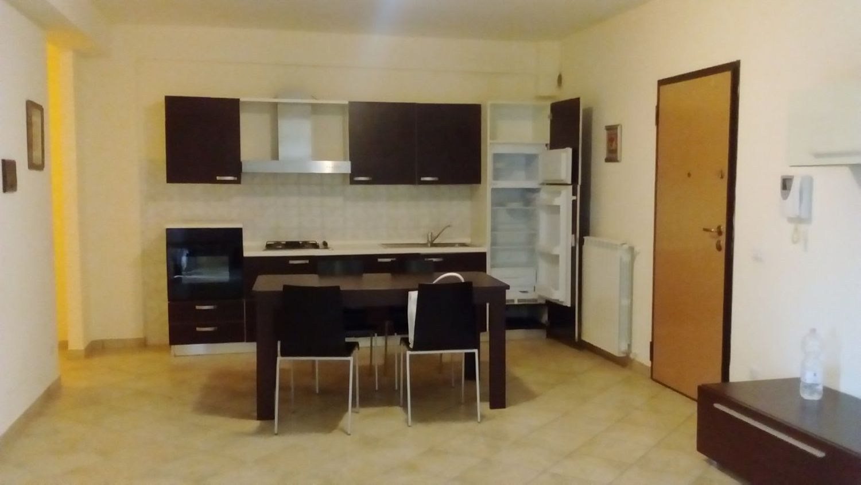 Appartamento in affitto a Orte, 5 locali, prezzo € 430 | Cambio Casa.it
