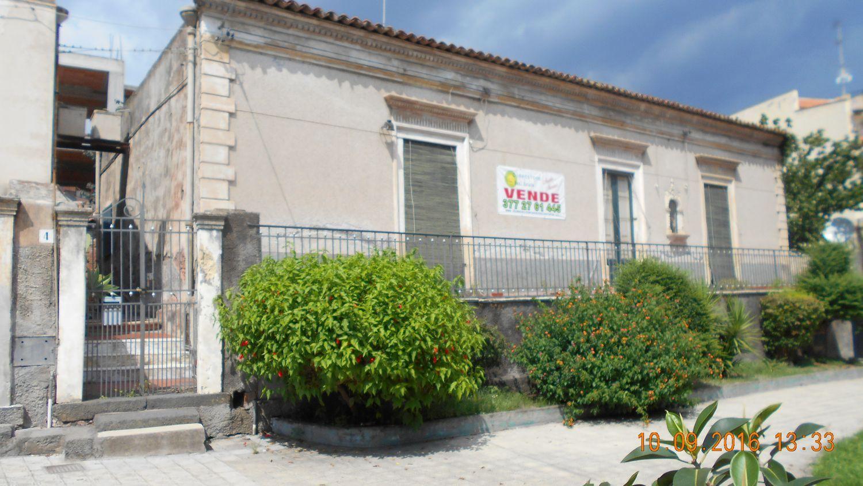 Soluzione Indipendente in vendita a Aci Castello, 6 locali, prezzo € 493.500 | Cambio Casa.it