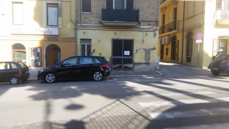 Immobile Commerciale in affitto a Vasto, 9999 locali, prezzo € 600 | Cambio Casa.it