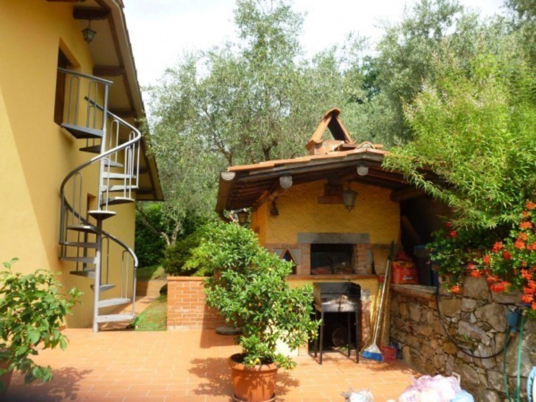 Soluzione Indipendente in vendita a Pescaglia, 6 locali, prezzo € 350.000 | Cambio Casa.it