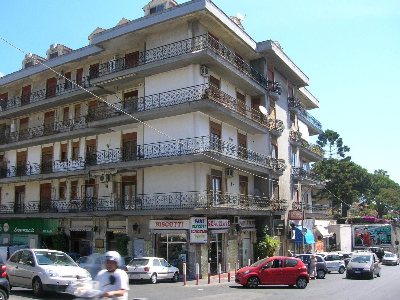 Appartamento in vendita a Tremestieri Etneo, 6 locali, prezzo € 330.000 | CambioCasa.it
