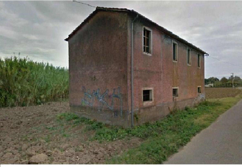 Appartamento in vendita a Bolsena, 12 locali, prezzo € 180.000   CambioCasa.it