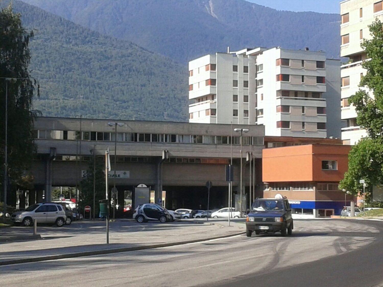 Immobile Commerciale in affitto a Sondrio, 9999 locali, prezzo € 500 | Cambio Casa.it