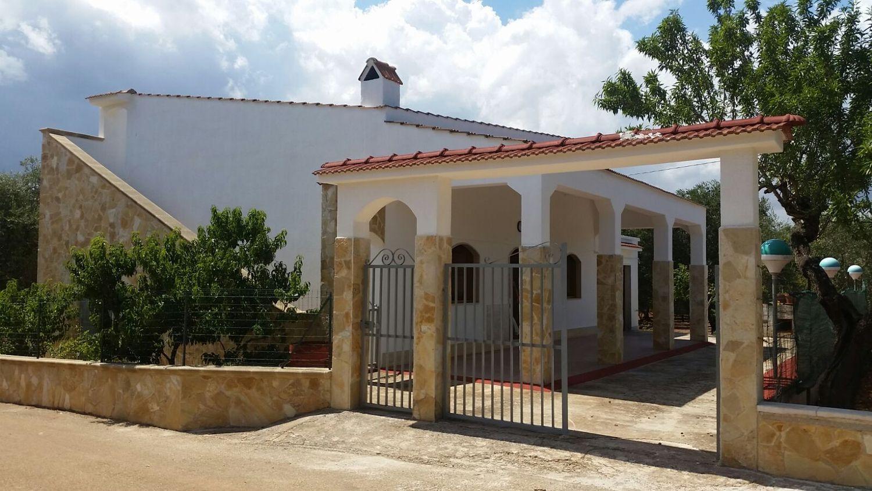 Soluzione Indipendente in vendita a Ceglie Messapica, 6 locali, prezzo € 120.000 | Cambio Casa.it