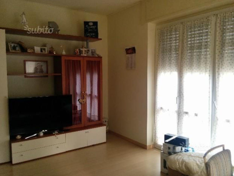 Appartamento in affitto a Laveno-Mombello, 2 locali, prezzo € 450 | Cambio Casa.it