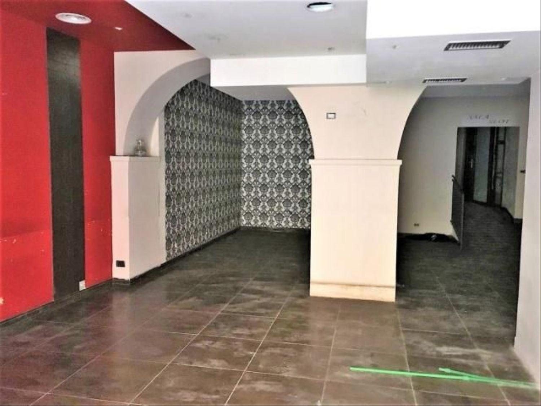 Immobile Commerciale in affitto a Marino, 9999 locali, prezzo € 700 | CambioCasa.it