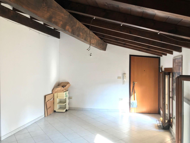Appartamento in vendita a San Giovanni in Persiceto, 3 locali, prezzo € 120.000 | CambioCasa.it