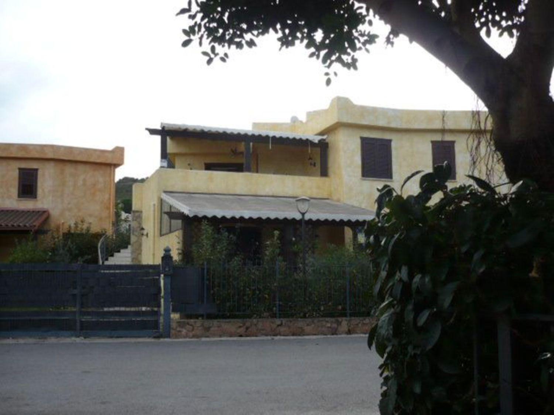 Villa Bifamiliare in Vendita a Campofelice di Roccella
