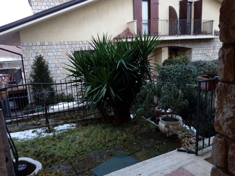 Soluzione Indipendente in vendita a Avellino, 7 locali, prezzo € 430.000 | Cambio Casa.it